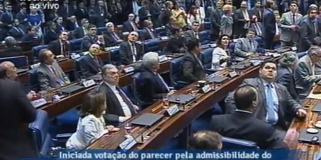 Senado durante votação, às o5h30 desta quinta-feira - Foto: Reprodução