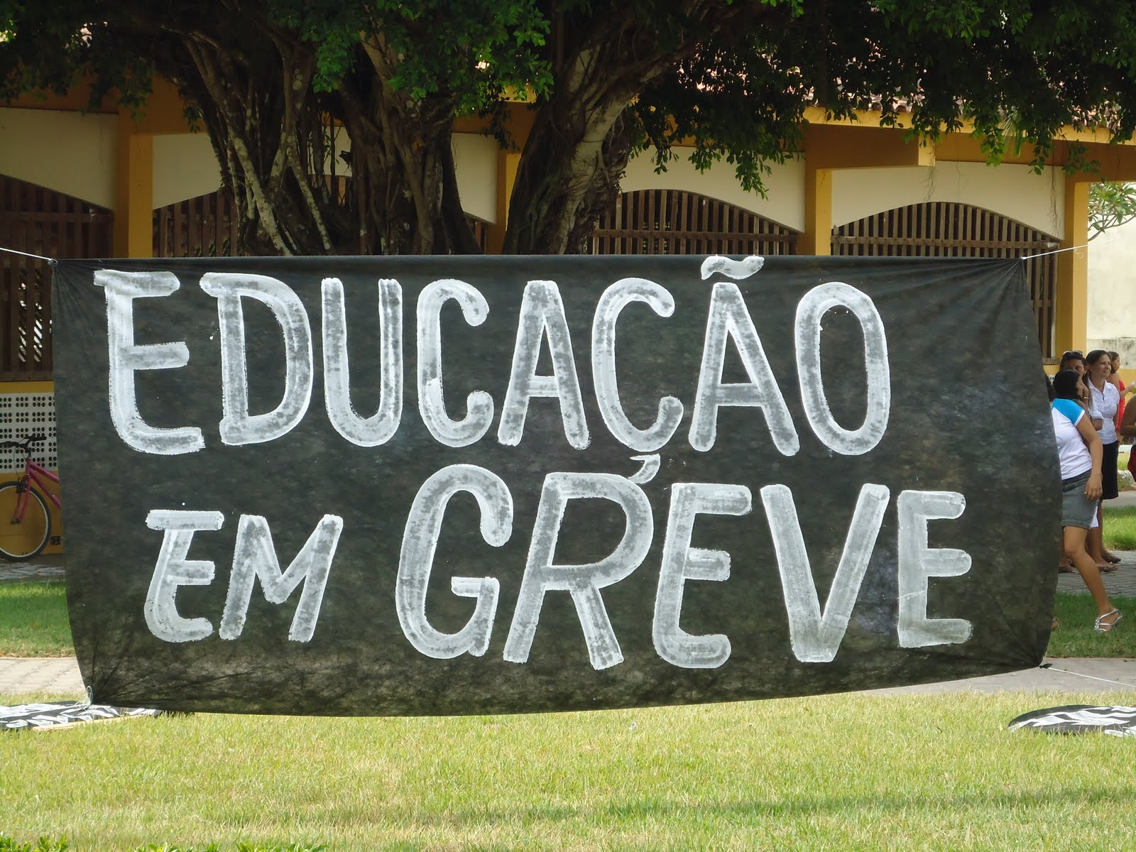 Resultado de imagem para greve da educação 2017