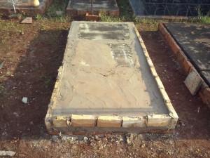 Sepultura foi refeita por funcionários do cemitério – fotos ( Olimar Gamarra)